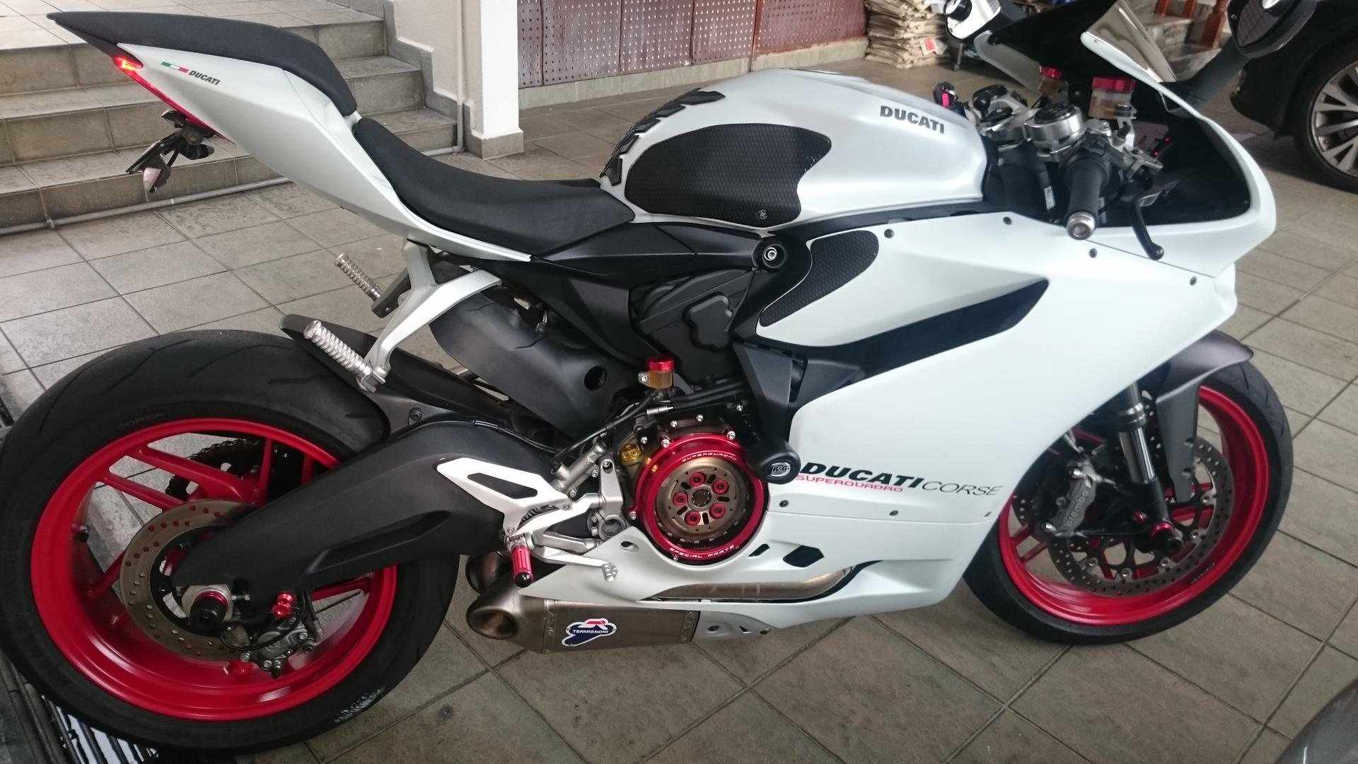 arctic white silk ducati 899 panigale picture thread page 26 ducati 899 panigale forum. Black Bedroom Furniture Sets. Home Design Ideas