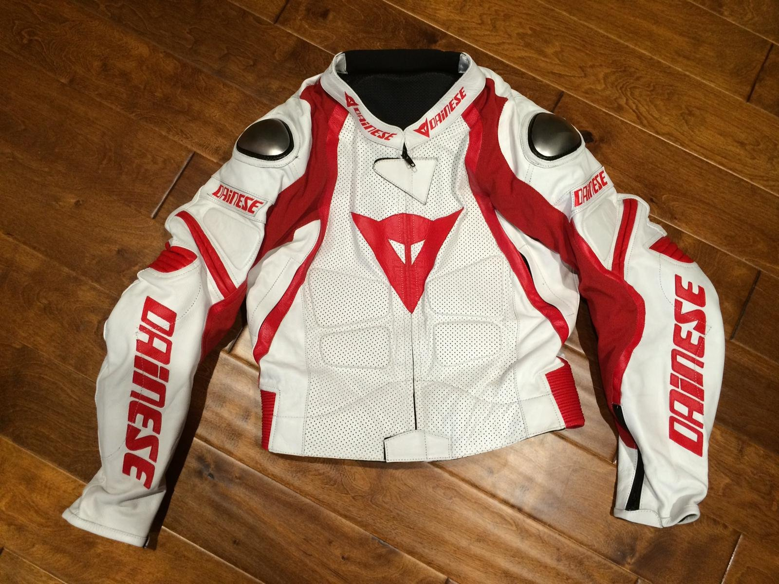 2 Piece Dainese Leather Motorcycle Suit Size 42r Boots
