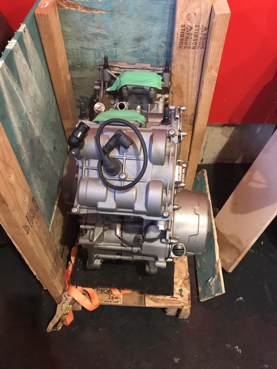 899 engine-img_0775.jpg