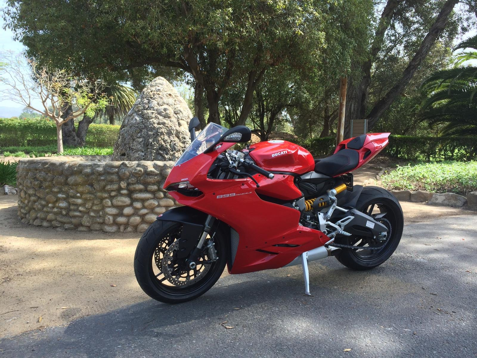 vote for the 899 panigale of the month poll is up ducati 899 panigale forum. Black Bedroom Furniture Sets. Home Design Ideas