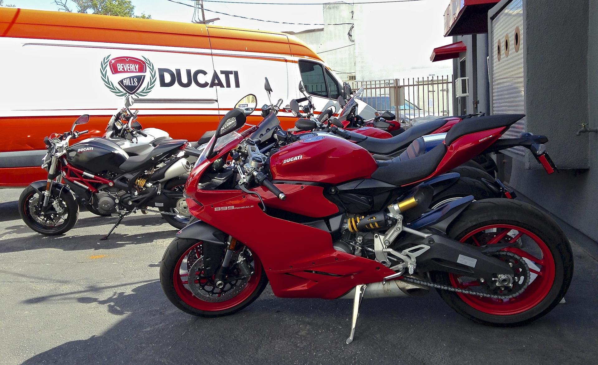 2015 Honda Grom >> wonder what the red rims would look like on the red bike...??? - Ducati 899 Panigale Forum